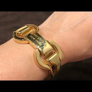 henri bendel Jewelry - Henri Bendel 712 wide link bracelet - gold